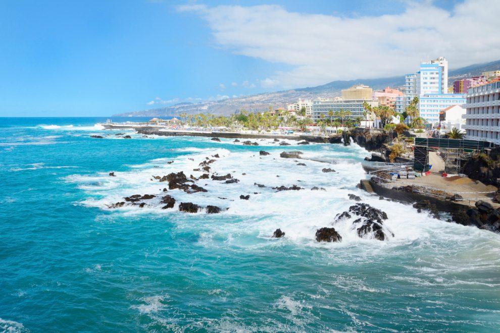 Tenerife earthquake: Tourist hotspot 'rattles and shakes' as mag 4 quake is felt all over island