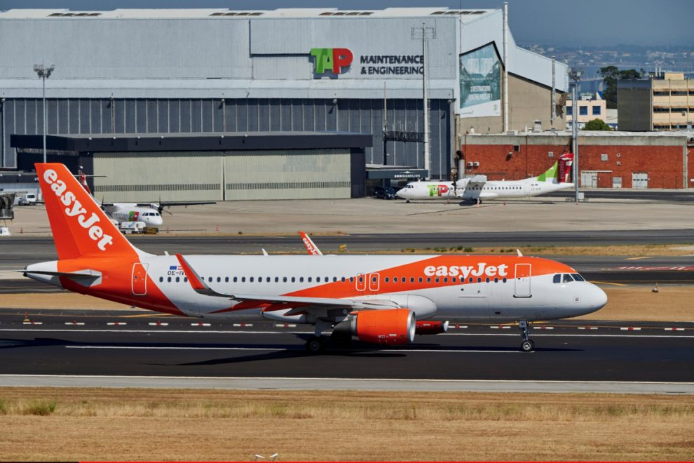 Manchester EasyJet flight carrying 167 was ONE SECOND from disaster after pilots misjudged runway's length by a mile