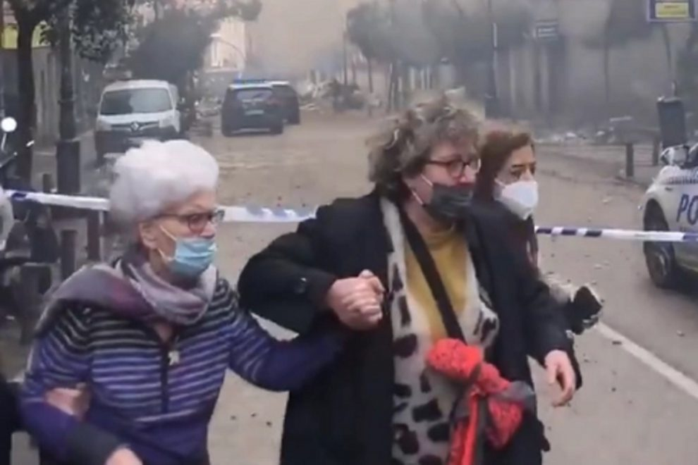 Madrid Explosion LIVE – Deaths reported as massive blast destroys building in centre of Spanish capital