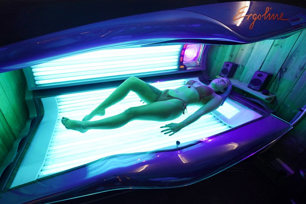 Tan salon customer finds DEAD BODY on sun bed in Austria after woman had a two-hour session